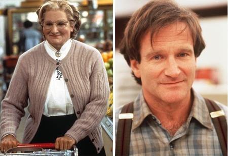 """Robin Williams đã giả gái trong tác phẩm """"Mrs. Doubtfire"""" (1993) và dù không được quá dễ thương, xinh đẹp nhưng vai diễn này cũng đã đem lại không ít tràng cười sảng khoái cho khán giả"""