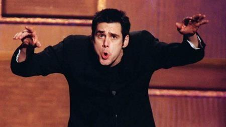 """Jim Carrey từng tham gia rất nhiều phần phim tiếp theo như """"Ace ventura"""" hay """"Dumb and Dumber"""" nhưng lại từ chối góp mặt trong """"The mask 2"""" bấp chấp khoản thù lao trong mơ là 10 triệu đô la Mỹ. Lí do Jim Carrey đưa ra là vì nam tài tử không muốn khán giả đánh giá mình là một người sẵn sàng chạy theo """"tiếng gọi đồng tiền""""."""