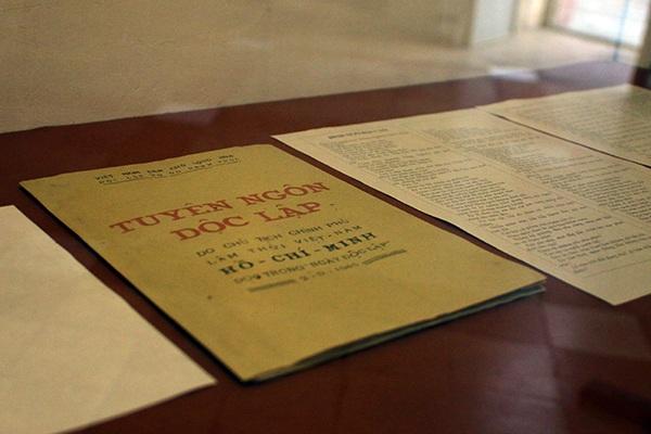 Thăm ngôi nhà Bác Hồ viết bản tuyên ngôn độc lập - 9