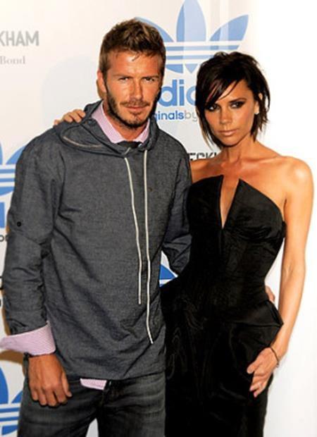 Victoria Beckham và David Beckham chắc chắn không thể thiếu vắng trong danh sách này. Sau 18 năm hôn nhân bền chặt, Victoria vẫn cảm thấy mình thật may mắn khi có được một ông chồng điển trai, hấp dẫn và biết quan tâm gia đình như David Beckham.