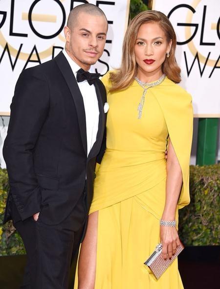 Jennifer Lopez cũng từng gây sốc khi hẹn hò với nam vũ công Casper Smart, người nhỏ hơn J.Lo tới 18 năm tuổi đời