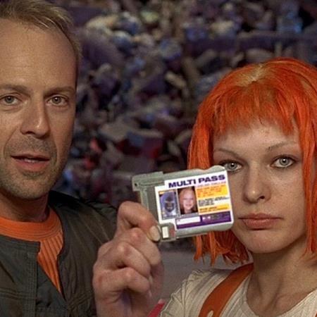 """Chắc chắn sẽ có người phải giật mình khi nhớ ra rằng bộ phim """"The fifth element"""" của Bruce Willis đã được cho ra mắt từ năm 1997"""