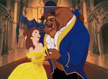 """Nhắc đến kiệt tác hoạt hình """"Beauty and the Beast"""", các fan hâm mộ chắc chắn sẽ nhớ ngay đến chiếc váy vàng bồng bềnh mà nàng Belle mặc trong giây phút khiêu vũ cùng Quái vật"""