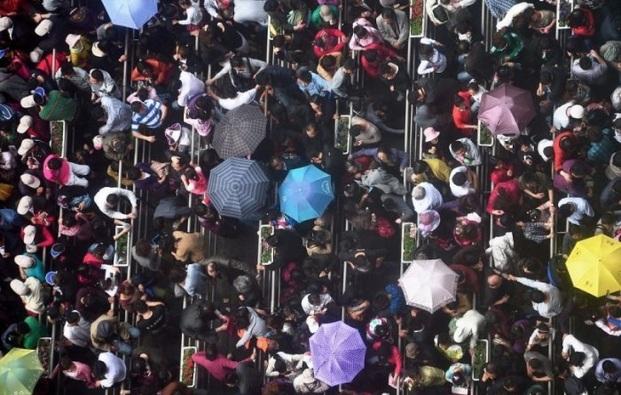Những bức ảnh khiến bạn sửng sốt về tình trạng dân số ở Trung Quốc - 9