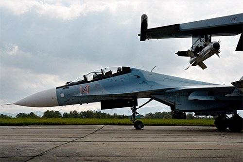 40 năm của một trong những dòng máy bay chiến đấu thành công nhất thế giới - Su-27 - 10