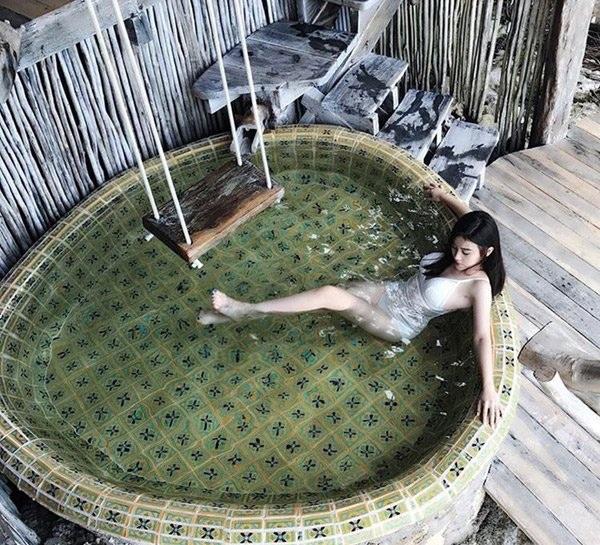 Hình ảnh về cuộc sống xa hoa của cô nàng đã nhiều lần xuất hiện trên Instagram Rich Kids of Vietnam