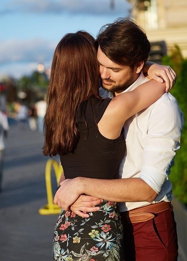 9 cách ôm khiến tim đối phương loạn nhịp - 9