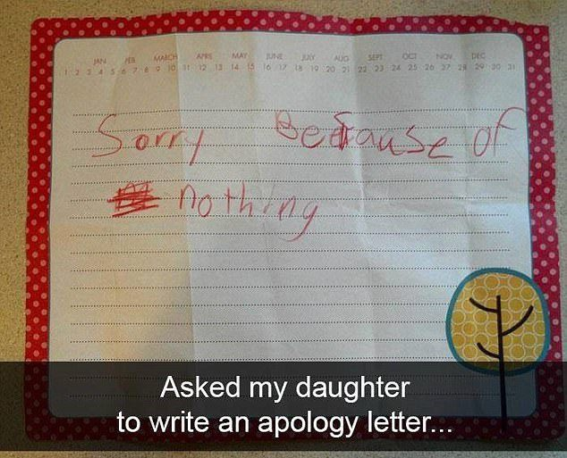 """Yêu cầu con gái viết thư xin lỗi và bé viết luôn: """"Con xin lỗi vì... không gì cả"""""""