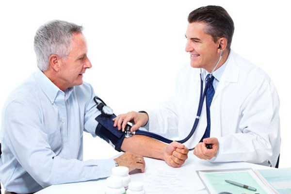Các chuyên gia y tế khuyến cáo để đảm bảo, trước khi bước vào tập luyện, người đái tháo đường cần được kiểm tra về bệnh lý tim mạch; bệnh mạch máu ngoại biên; khám chân (bao gồm sự lành lặn và biến dạng); bệnh lý thần kinh; bệnh lý võng mạc… Trên cơ sở kiểm tra này bác sĩ sẽ thảo luận với bệnh nhân lựa chọn bài tập, cường độ tập phù hợp.