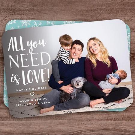 Vợ chồng Jason Biggs - Jenny Mollen vừa có thêm nhóc tì thứ hai trong năm nay và đây chắc chắn sẽ là dịp Giáng sinh hạnh phúc, vui vẻ nhất từ trước đến giờ