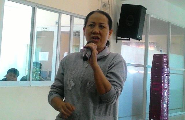 Bà Phạm Thị Mỹ Hạnh cũng cho biết, ngày nào bà cũng nhận được tin nhắn từ giáo viên, nhà trường nhắc nhở con làm bài tập
