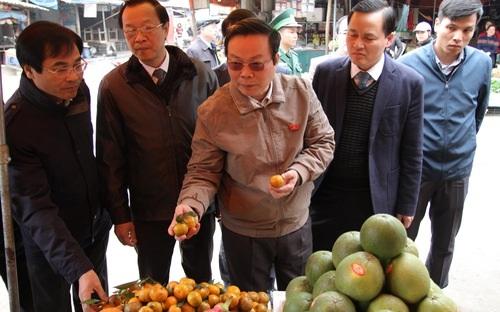 Phó Chủ tịch Quốc hội Phùng Quốc Hiển dẫn đầu đoàn giám sát tối cao thị sát các tỉnh biên giới giáp Trung Quốc.