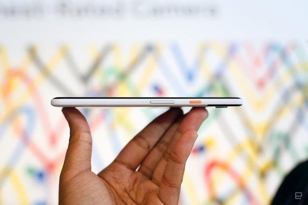 Nút nguồn của Pixel 2 XLvới thiết kế màu sắc nổi bật