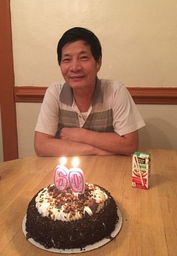 Ông Jiansheng Chen, nạn nhân của vụ nổ súng, trong tiệc sinh nhật lần thứ 60 của mình