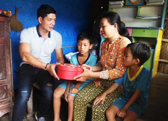 Chương trình Góp tình trao Tết giúp biến những ước mơ vô cùng giản dị của những gia đình còn nhiều khó khăn thành hiện thực.