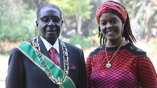 Vợ chồng cựu Tổng thống Zimbabwe Robert Mugabe (Ảnh: ATS)