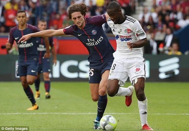 PSG dễ dàng vượt qua CLB mới thăng hạng Amiens