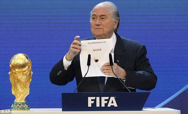 Sepp Blatter là người đọc tuyên bố Qatar giành quyền đăng cai World Cup 2022