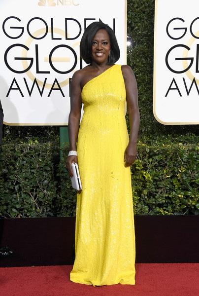 Viola Davis, 51 tuổi, giành giải Quả cầu vàng 2017 dành cho Nữ diễn viên phụ xuất sắc.