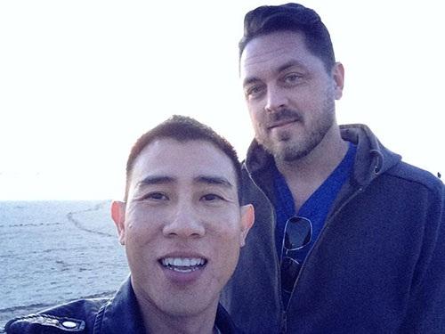 Quang Huy biết mình là người đồng tính từ khi còn nhỏ, anh chia sẻ rất cởi mở về chuyện sống thật với giới tính của mình.