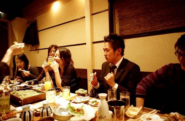 Những quy tắc trên bàn ăn của người Nhật - 2