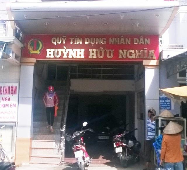 Nhiều người dân tin vào cán bộ ở Quỹ Tín dụng Huỳnh Hữu Nghĩa, khiến lâm vào cảnh lao đao.