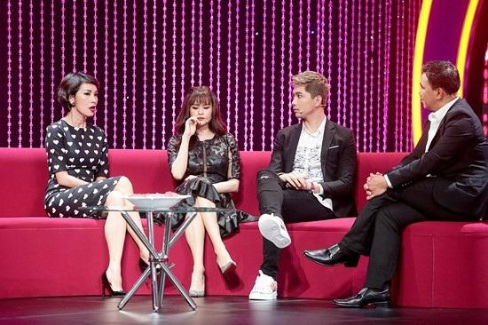 Trong talkshow này, Tim đã bày tỏ sự nghi ngờ trước tình cảm của Trương Quỳnh Anh dành cho mình.