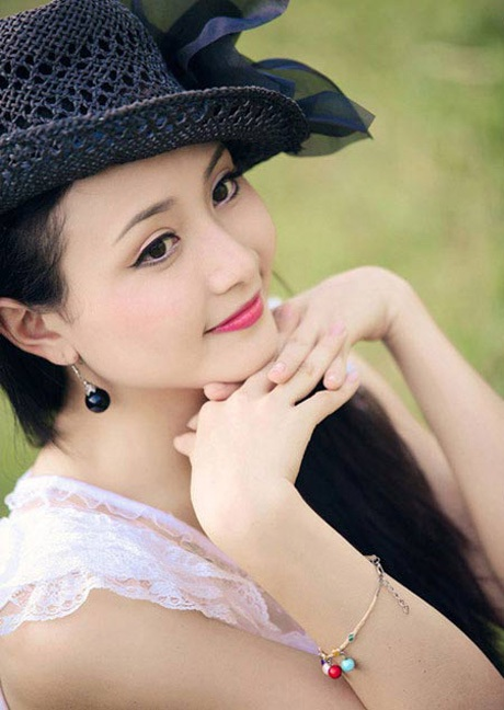 Lê Quỳnh Trang từng là Á khôi cuộc thi Hoa khôi Sinh viên Hà Nội (Imiss Thăng Long 2009)