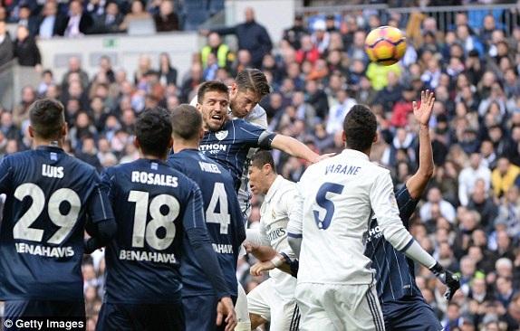 Ramos đánh đầu mở tỷ số trận đấu cho Real Madrid