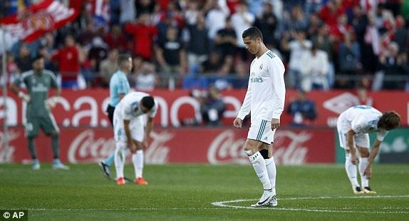 C.Ronaldo bỏ lỡ cơ hội, còn Real Madrid nhận hai bàn thua liên tiếp