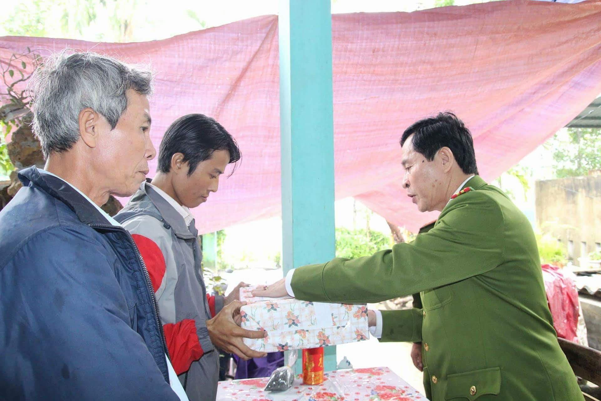 Năm 2017, gần 30 vụ nhảy sông Hương tự tử  - Ảnh 3.