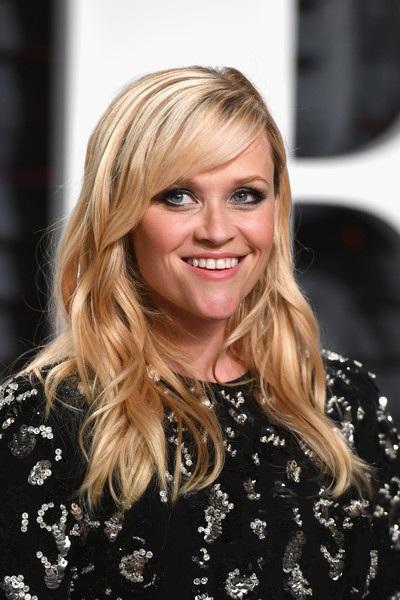 """Bà mẹ ba con vẫn luôn trẻ đẹp và quyến rũ. """"Tôi có ba đứa con và đôi khi tôi cảm thấy mình như mới 25"""", Reese từng thổ lộ như vậy khi tham gia lồng tiếng cho nhân vật Rosita trong bộ phim hoạt hình """"Sing""""."""