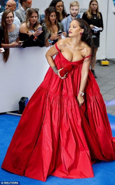 Rihanna vốn là người rất tự tin vào những lựa chọn thời trang của mình