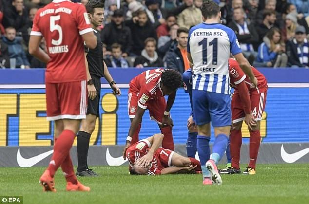 Ribery đau đớn vì chấn thương đầu gối khá vô duyên