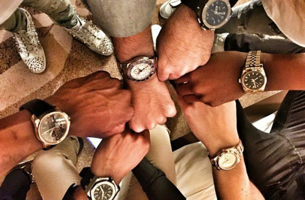 Màn trình diễn của những chiếc đồng hồ sang trọng. (Nguồn: IMP Features / Chris White)