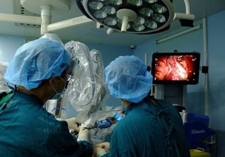 Người bệnh đã thoát khỏi tổn thương ác tính ở phổi nhờ sự hỗ trợ của robot phẫu thuật