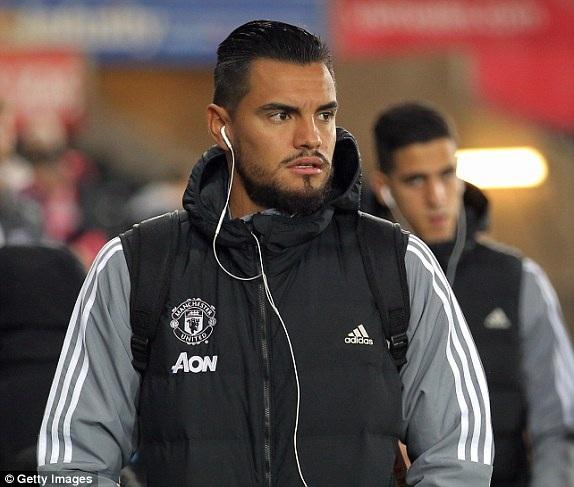 Thủ thành Romero, người sẽ được bắt chính ở League Cup