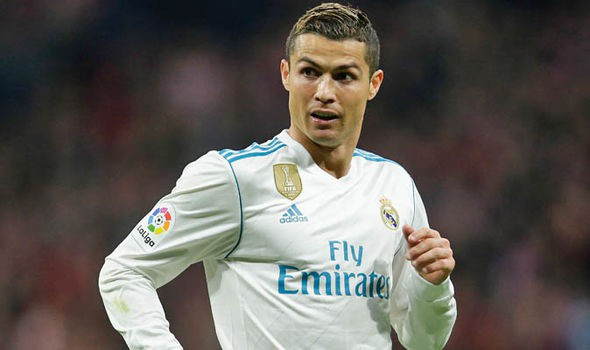C.Ronaldo lập kỷ lục khi có 14 lần lọt vào đề cử đội hình xuất sắc nhất UEFA