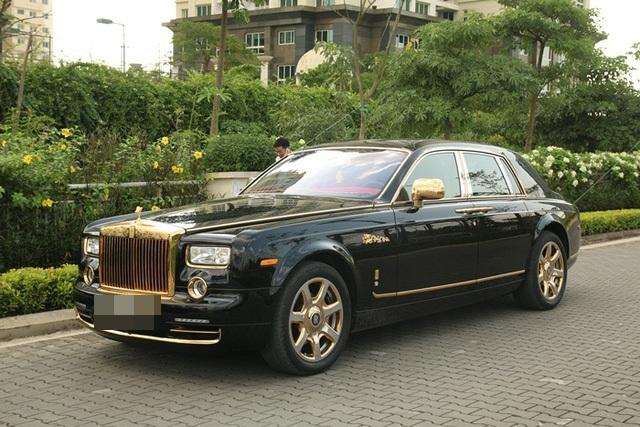 Siêu xe Phantom mạ vàng của đại gia Sài Gòn từng khiến nhiều người choáng ngợp bởi sự chịu chi của gia chủ. Ảnh: Khôi Nguyên