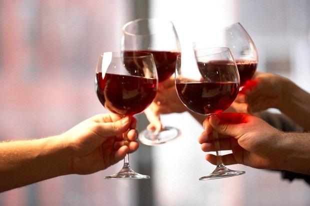 Rượu vang và trà đen có thể giúp chống lại bệnh cúm? - 1