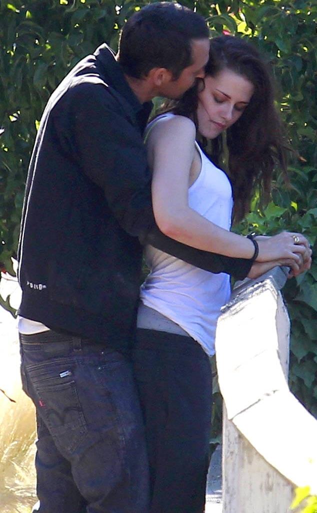 Kristen Stewart bị phát hiện ngoại tình với đạo diễn có vợ - Rupert Sanders vào năm 2012.