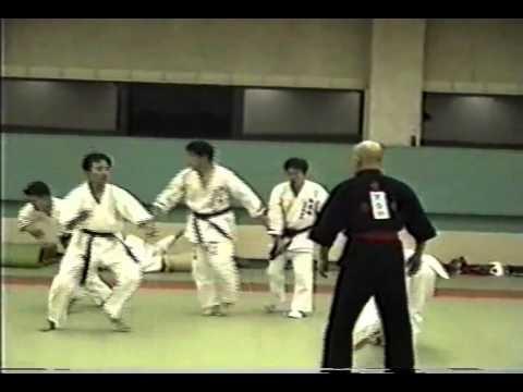 Võ sư Ryuken Yanagi từng bị lật tẩy công phu truyền điện