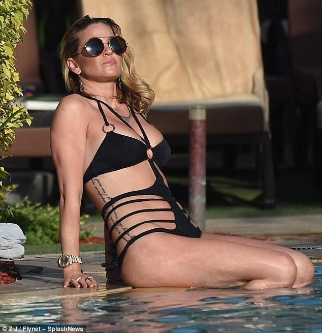 Sarah Harding tận hưởng kỳ nghỉ tại Dubai ngày 21/10 vừa qua