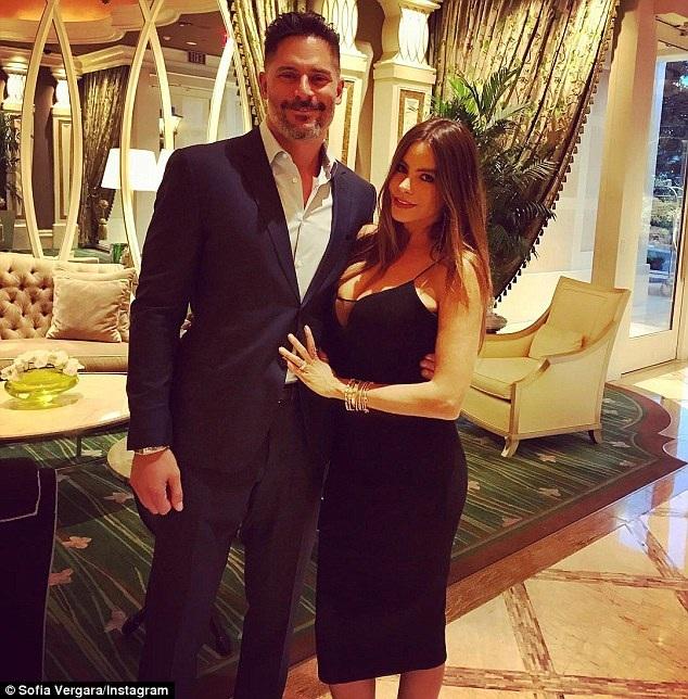 Người đẹp U50 đang hạnh phúc bên chồng kém 4 tuổi - nam diễn viên Joe Manganiello, một người từng thổ lộ vô cùng hâm mộ cô trên truyền hình từ trước khi 2 người quen nhau.