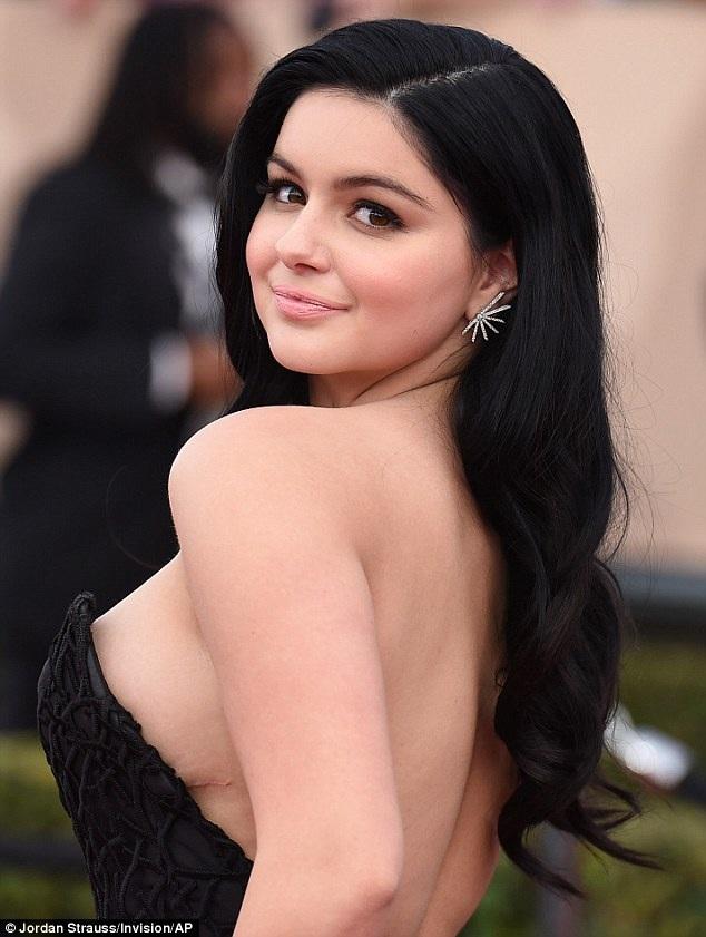 Chị của Winter là người giám hộ cho nữ diễn viên phim Modern Family từ vài năm nay và Ariel rất yêu thương chị gái. Cô từ chối nhắc tới mẹ ruột trong các bài trả lời phỏng vấn.
