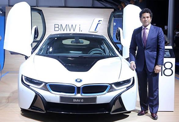 Mẫu BMW i8 được giới thiệu tại Triển lãm ô tô Ấn Độ 2014
