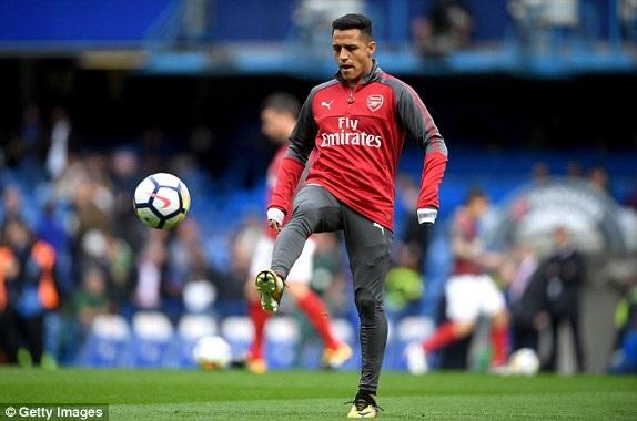 Sanchez khởi động tại Stamford Bridge, anh chỉ đá dự bị ở trận đấu này