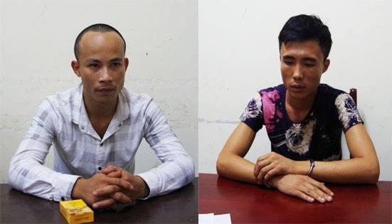 Nguyễn Đình Hà (trái) và Phan Văn Xin tại cơ quan điều tra CA tỉnh Nghệ An (ảnh PC45 cung cấp)