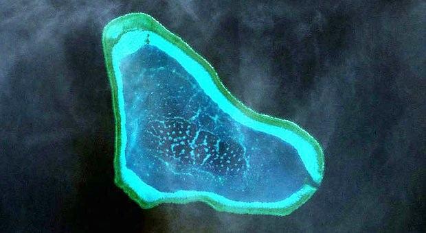 Ảnh chụp vệ tinh bãi cạn Scarborough (Ảnh: Inquirer)