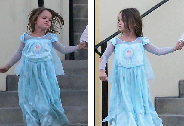 Đặc biệt, cậu con trai 5 tuổi của Megan Fox diện chiếc váy xanh nhạt thướt tha như một cô công chúa. Bé Noah tạo hình giống nhân vật Elsa trong bộ phim hoạt hình Frozen nổi tiếng.